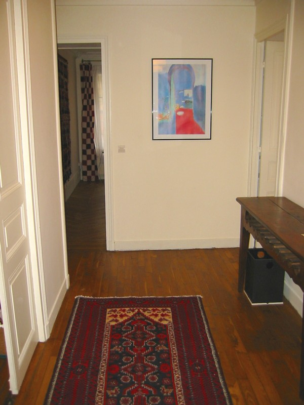 Apartment rue monge for Dining room near front door